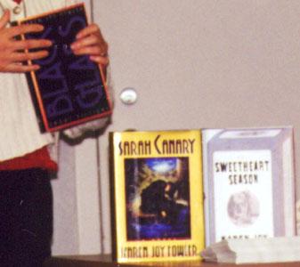 Fowler celebrates pleasures of both reading, writing